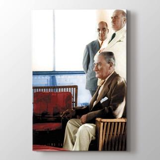 Atatürk görseli.