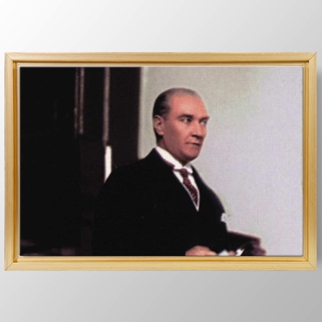 Atatürk Mecliste görseli.
