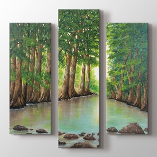 Ormanda Şafak görseli.