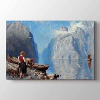 Kıyıda Fiyort ve Tekne ile Peyzaj  görseli.